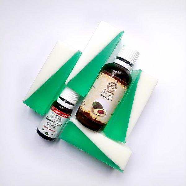 Натуральное мыло ручной работы «Насыщенный кедр»