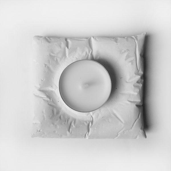 Подсвечник из скульптурного гипса «Циклоп»