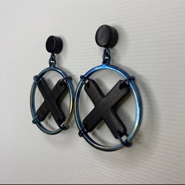 Титанові сережки з чорним деревом Ебен X