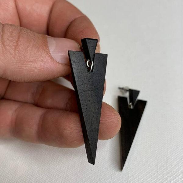 Титановые серьги с черным деревом эбен Triangle